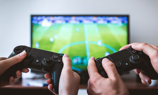 football game - 6 Ways to Become a Professional Gamer 2018